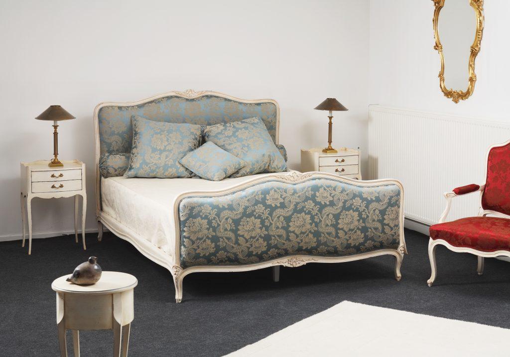 Balzarotti cr ateur de meubles et si ges lit style for H h createur de meubles