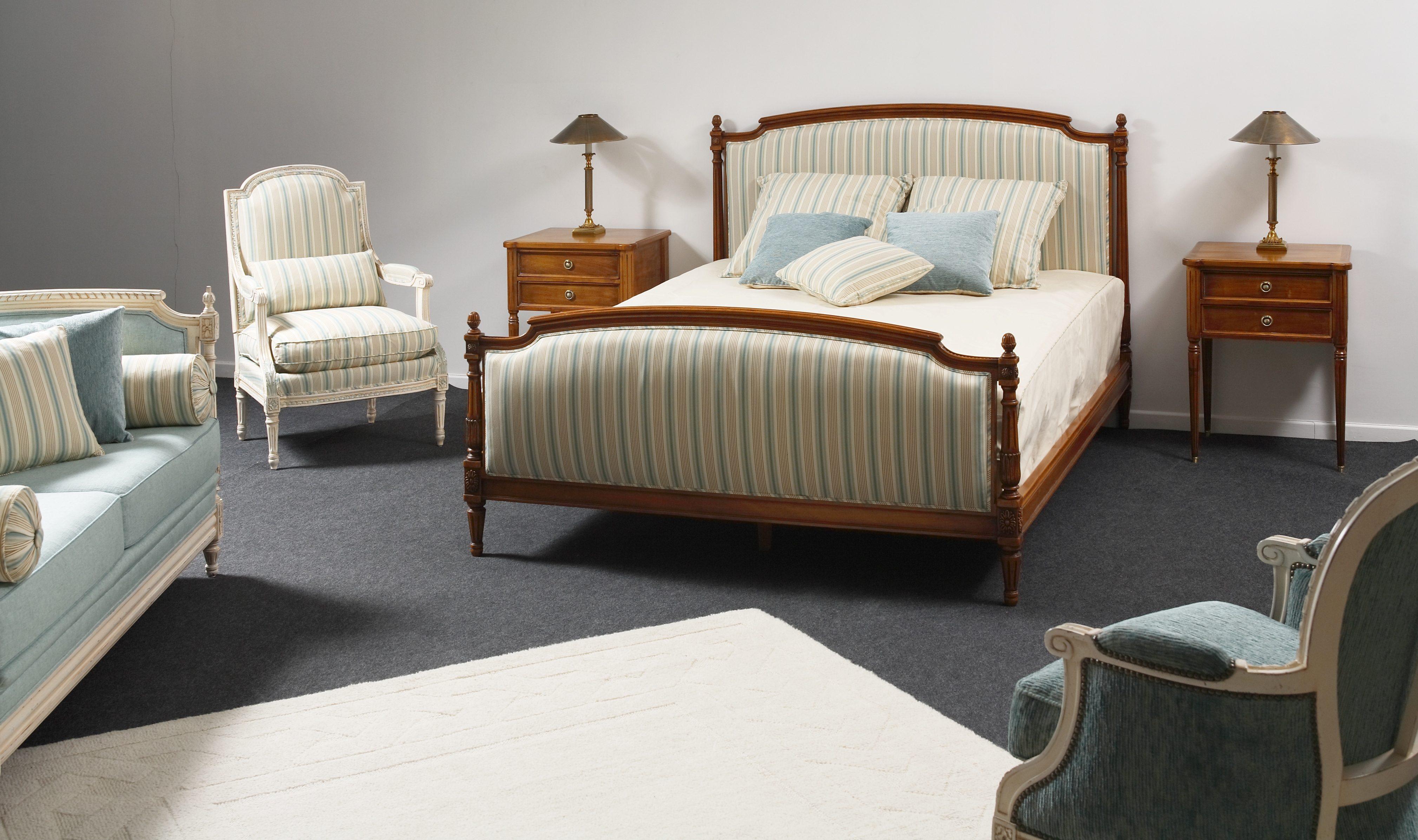 lit colonnes style louis xvi balzarotti cr ateur de meubles et si ges. Black Bedroom Furniture Sets. Home Design Ideas