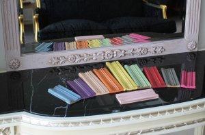 Balzarotti, créateur de meubles et sièges de style : échantillons de finitions couleur